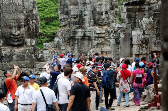 上半年超过300万游客参观柬埔寨