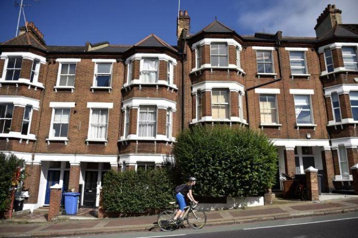 英国房价创 10 年新低,但复苏迹象显现