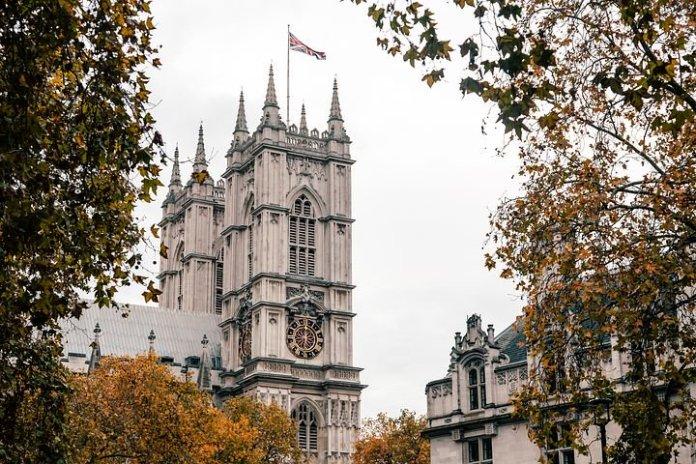 英国房地产重振计划将带动 820 亿英镑的交易