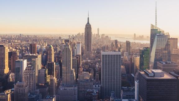 两栋位于曼哈顿下东区的平价公寓楼以 4.24 亿美元的价格售出