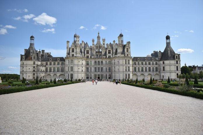 乌克兰首富以 2 亿欧元收购法国别墅