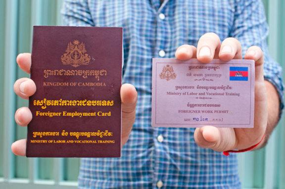 外国人在柬埔寨工作,需要获得工作许可证和就业登记卡