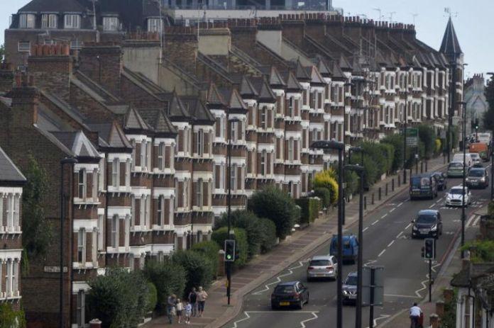 受冠状病毒影响,英国房地产市场停滞不前