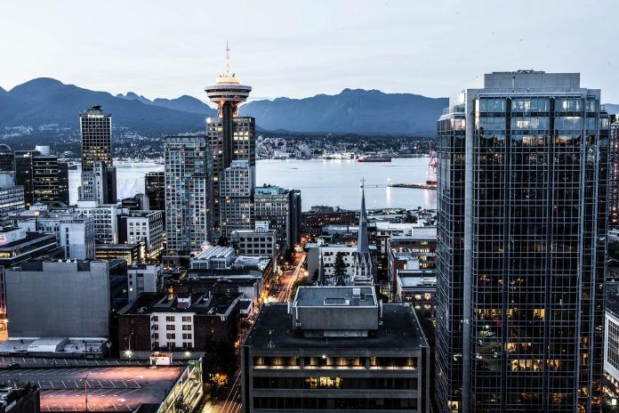 加拿大工业 CRE 成为投资者的宠儿:租金爆炸式增长