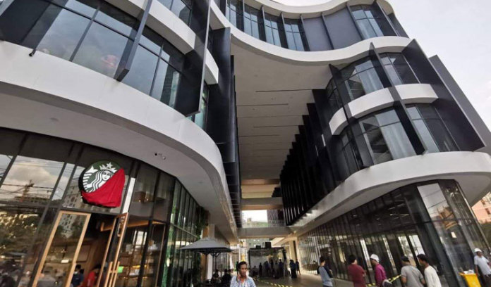 西哈努克的第一家购物中心隆重开业