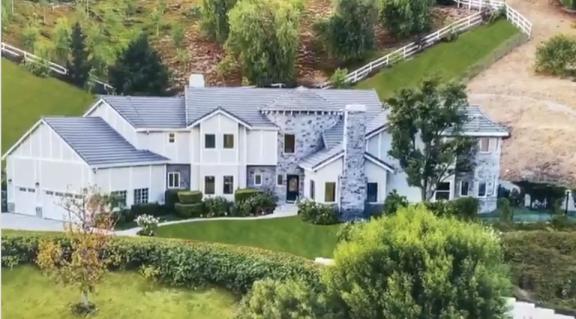 奥尼尔在网上晒出其洛杉矶在售房产,售价 250 万美元