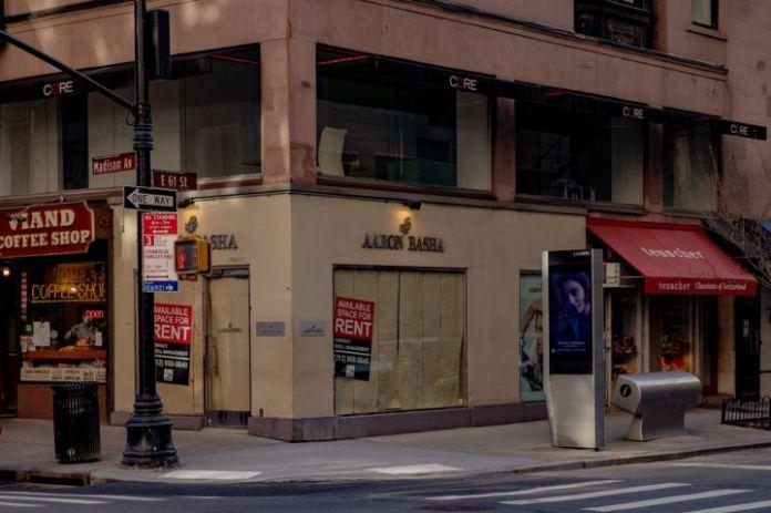 曼哈顿零售业租金继续下滑,疫情的影响持续性扩大