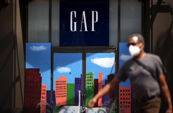 线上销售激增,GAP 将投资 1.4 亿美元在德克萨斯建仓库