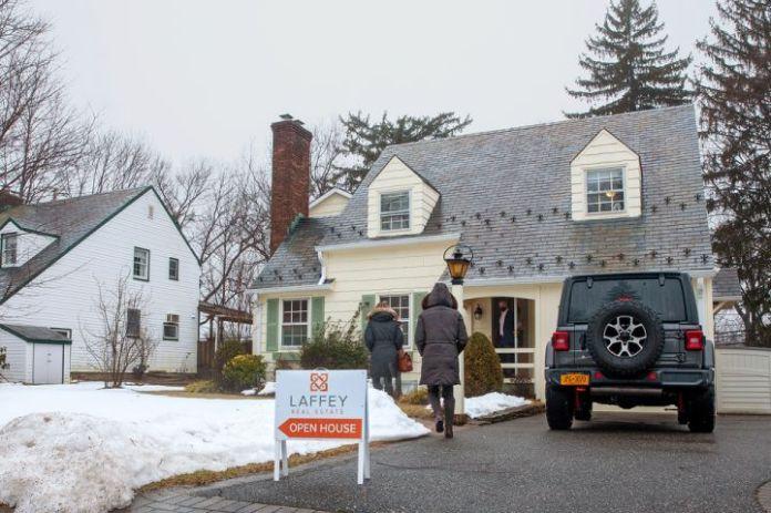 曼哈顿和纽约地区的房屋销售飙升