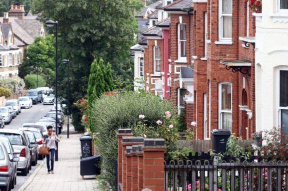 英国房价以 2016 年以来最快的速度上涨