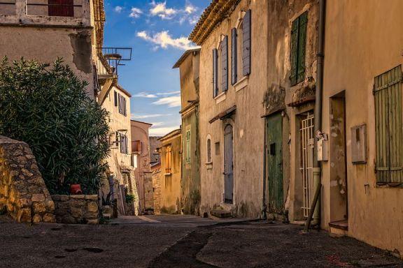 如何获得法国居留证和公民身份?