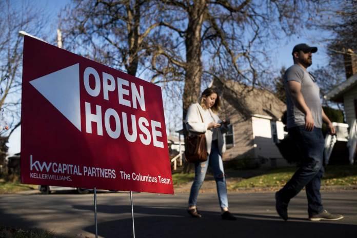 美国:由于利率飙升至去年 7 月以来最高水平,抵押贷款申请需求停滞
