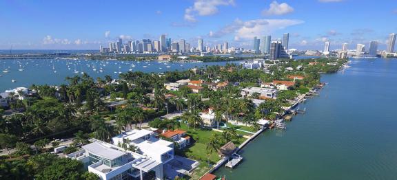 迈阿密豪宅市场在 2020 年初升温