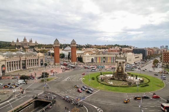 蜗居西班牙:巴塞罗那将海运集装箱改造成廉价公寓