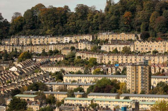 英国房价增长创 18 年来新高,但前景黯淡