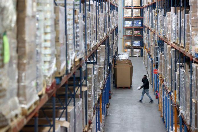 黑石加入收购英国仓库开发商的竞争中