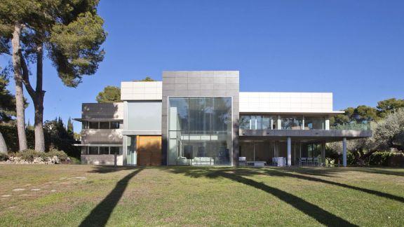 325 万美元能在法国、西班牙和瑞士买到什么样的房子呢?