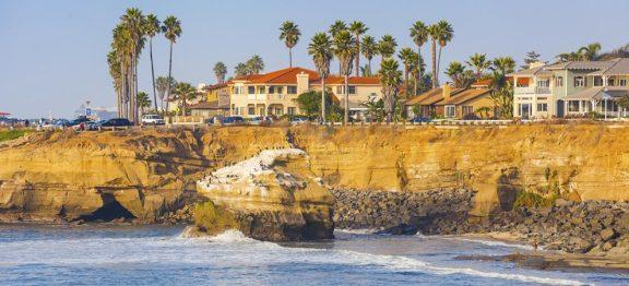 加州 8 月房屋均价突破 70 万美元大关