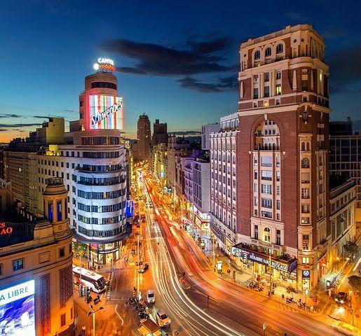 西班牙酒店变成了医院