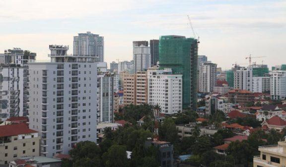 柬埔寨开发商开始瞄准本地买家,总价在 30 万以下的公寓项目更受柬埔寨本地人青睐
