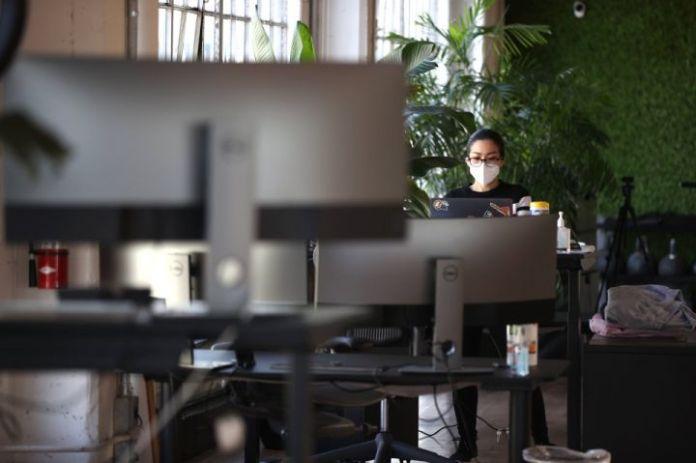 美国员工预计 9 月份返回公司办公室
