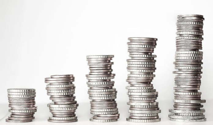 研究显示,英国上市公司高管 3 天的工资就等于普通工人 1 年的收入