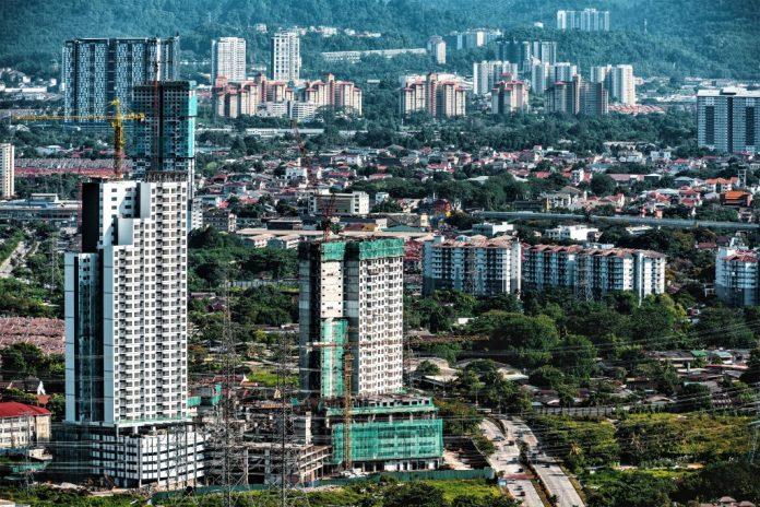 马来西亚计划对开发商征收空置税,以改善房地产市场过剩状况