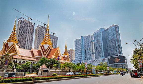 随着疫情的升级,柬埔寨房地产价格开始下降