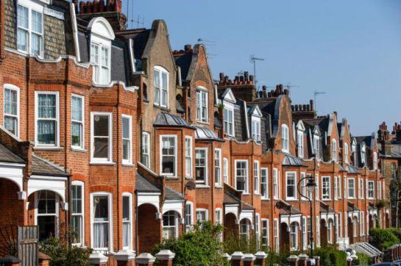 英国房地产市场停滞,可能需要政府介入