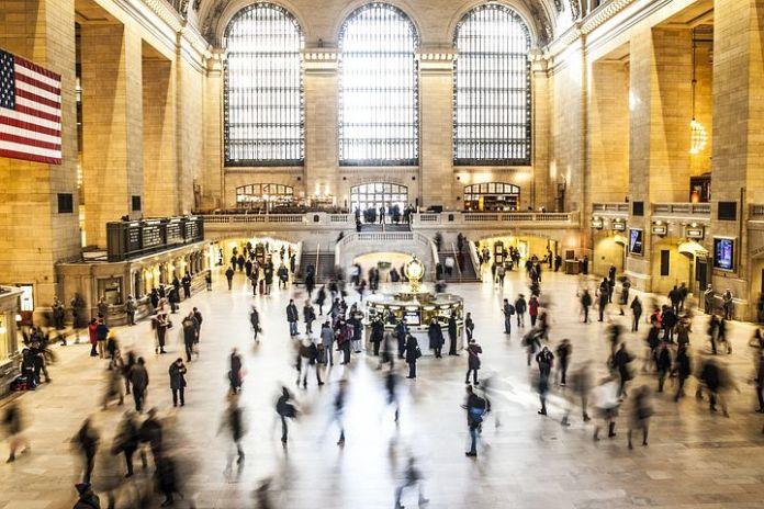 曼哈顿豪宅买家在大幅折扣的吸引下重返市场