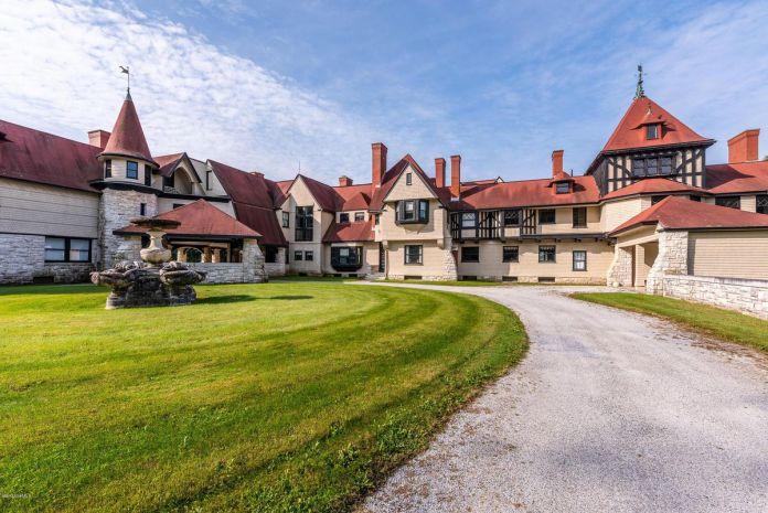 位于马萨诸塞州的范德比尔特旧宅以 1250 万美元的价格出售