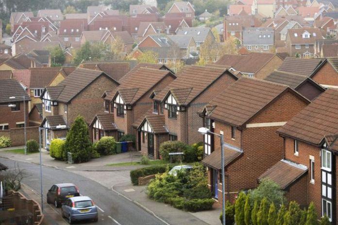 调查显示,英国房地产市场的繁荣开始消退