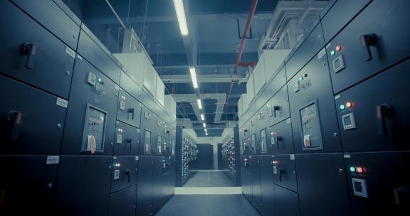 美国数据中心的合并推动了 MIT 第三季度业绩