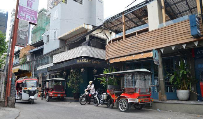 金边最受欢迎的酒吧街受冠状病毒影响严重