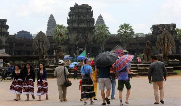 柬埔寨对 COVID-19 结束后的旅游业增长和外国游客呈指数增长持乐观态度