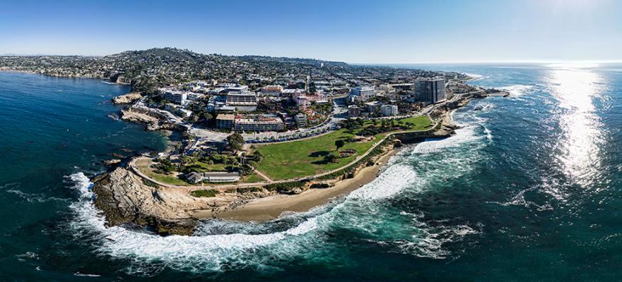 加利福尼亚州的房价比较去年上涨了 17.5%