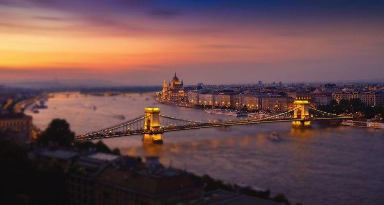 """匈牙利推行""""超级债券"""",为全球最热门的房地产市场降温"""