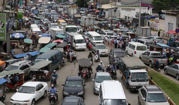 柬埔寨注册车辆一年内增加了 13%