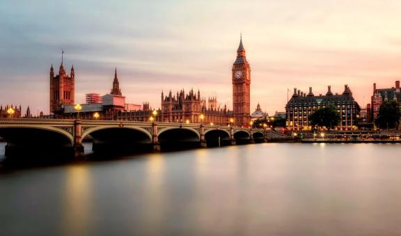 如何获得英国签证、居留证和公民身份?