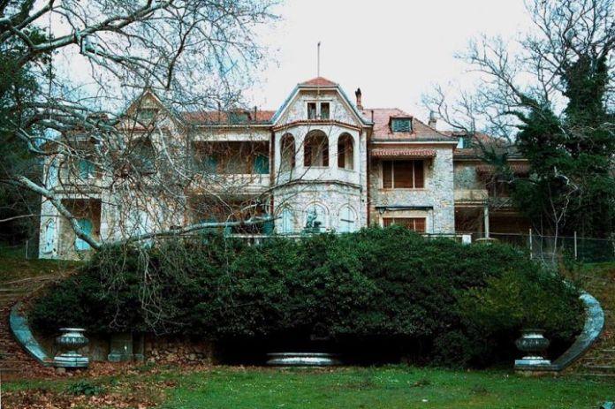 希腊政府对前皇室庄园进行旅游改造