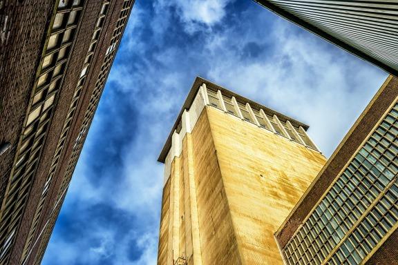 美国建筑业在经历了一年的下跌之后开始逆袭