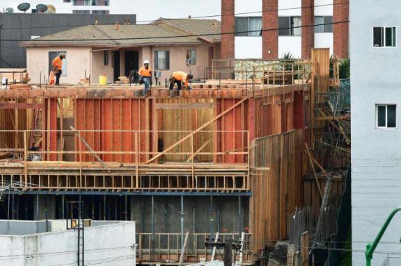 美国 7 月房屋开工量猛增 23%