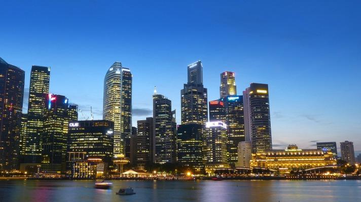 受到病毒爆发的影响,2 月份新加坡的公寓转售价格和销售量下降