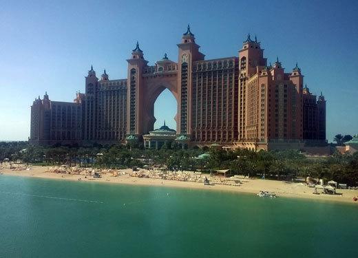 世界最大的人造岛:迪拜朱美拉棕榈岛
