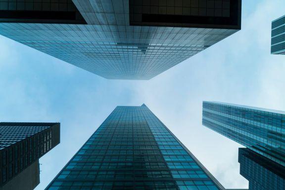 亚马逊和科技公司正在引领纽约市写字楼市场的复苏