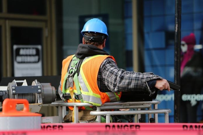 3 月英国建筑业活动创 2009 年以来最快降幅