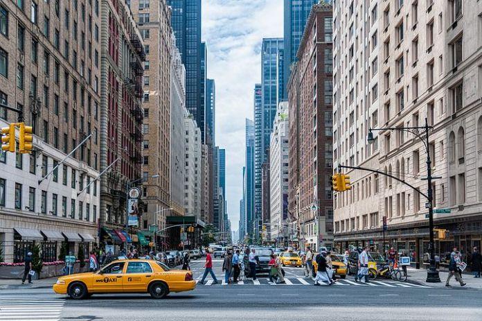 曼哈顿的豪华公寓租金飙升