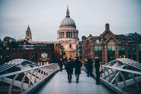 在英国其他地区经济繁荣的同时,伦敦市中心的房价却在下滑